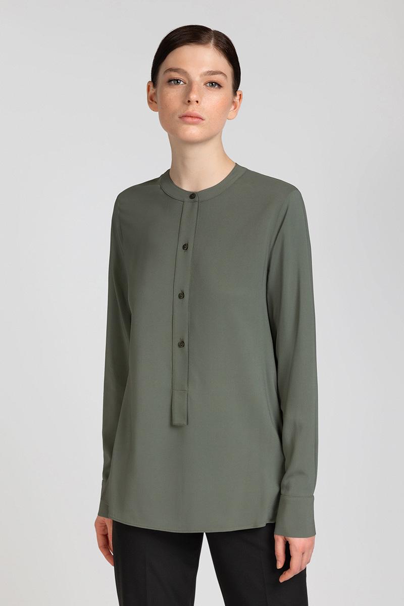 Блузка из вискозы с удлиненной спинкой VASSA&Co юбка карандаш с перепадом длины и лампасами vassa