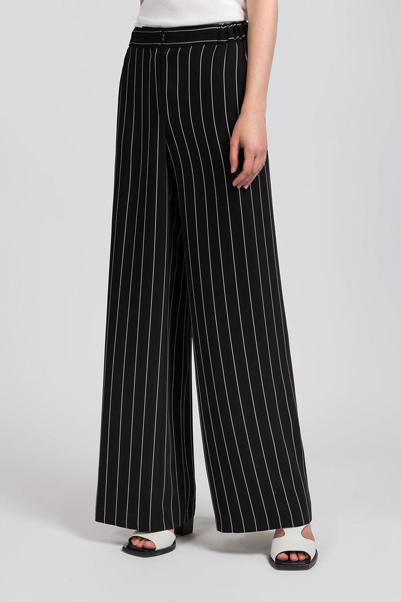 Брюки VASSA&Co брюки узкие с принтом из струящейся ткани