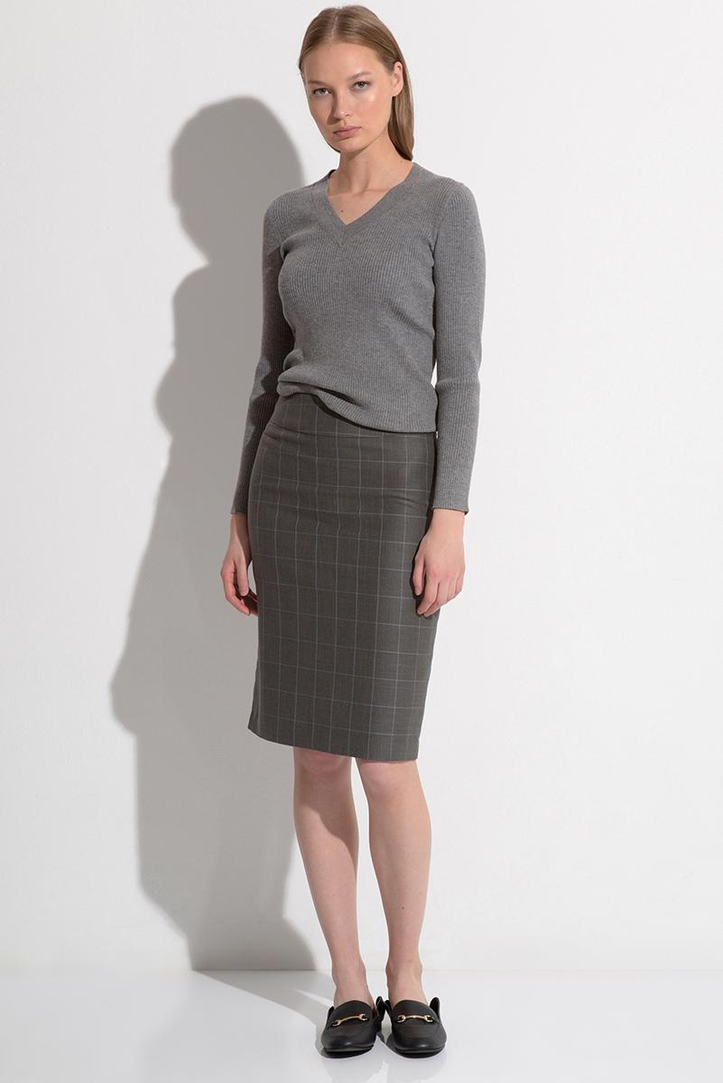 Купить со скидкой Классическая юбка серого цвета в клетку VASSA&Co