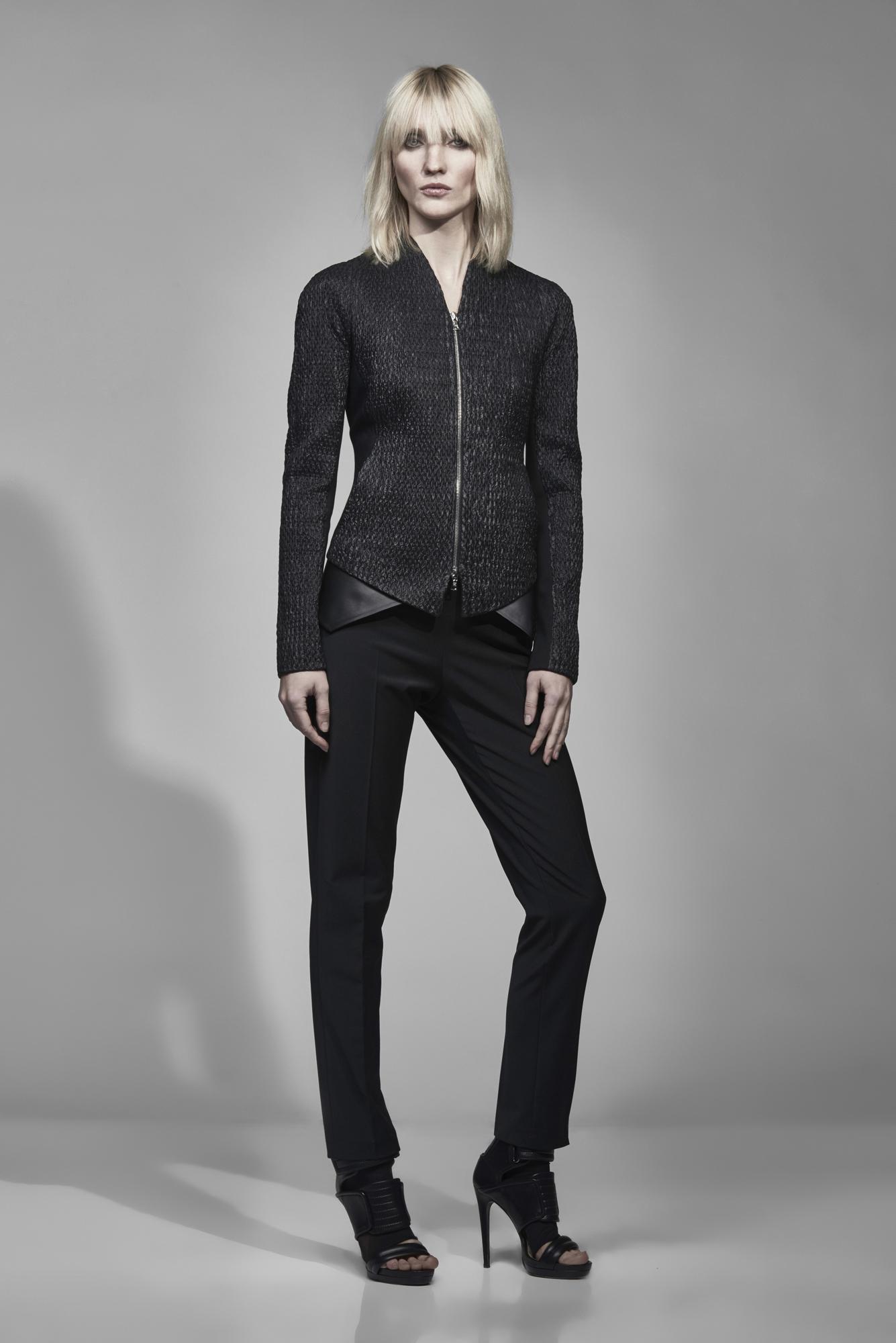 Классические брюки с боковыми карманами VASSA&Co фото