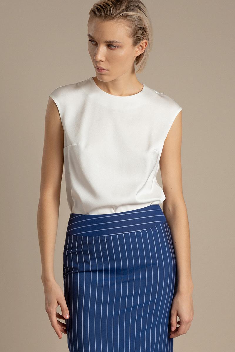 Базовая блузка из ткани с матовым блеском VASSA&Co фото
