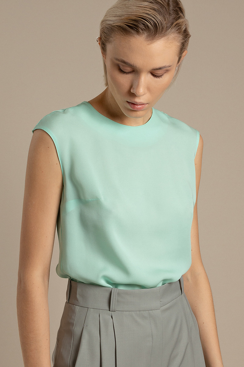 Базовая блузка из шелка VASSA&Co фото