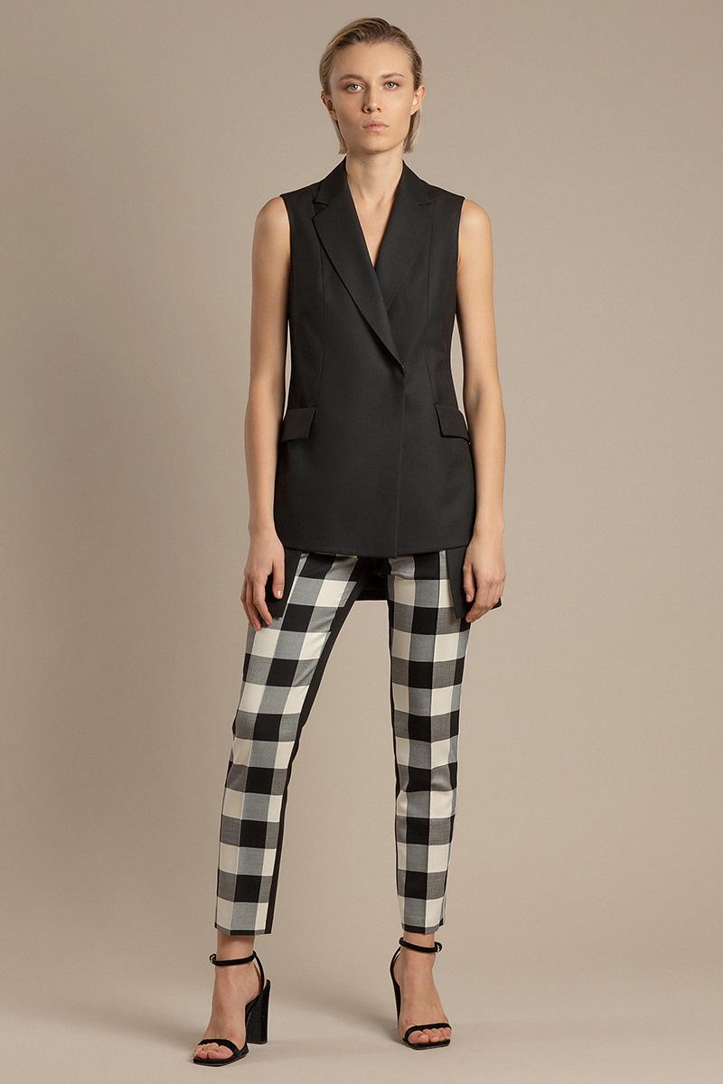 Зауженные брюки с комбинированным дизайном VASSA&Co фото
