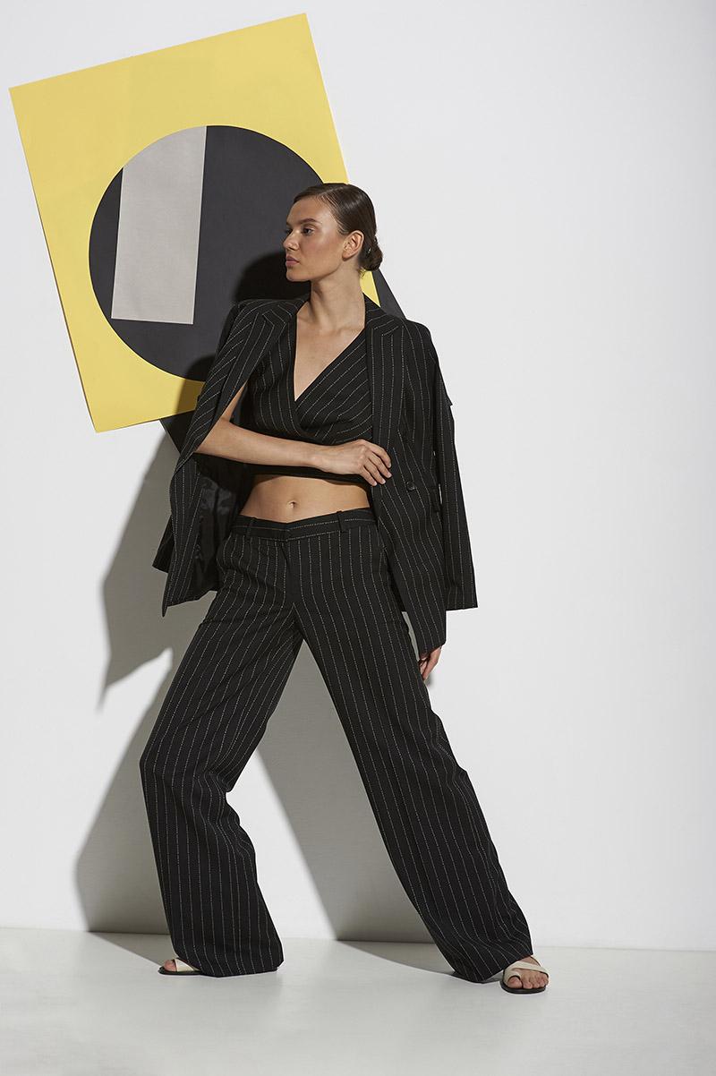 Свободные брюки с фирменным дизайном VASSA&Co VASSA&Co фото