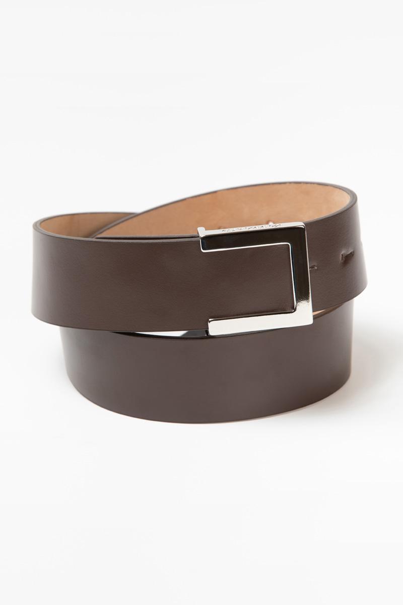 Кожаный ремень с металлической пряжкой VASSA&Co кожаный ремень