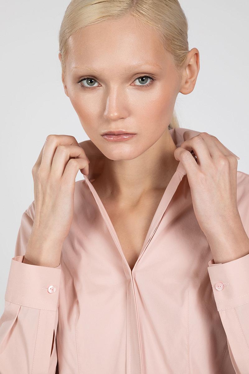 Приталенная блузка рубашечного кроя VASSA&Co фото