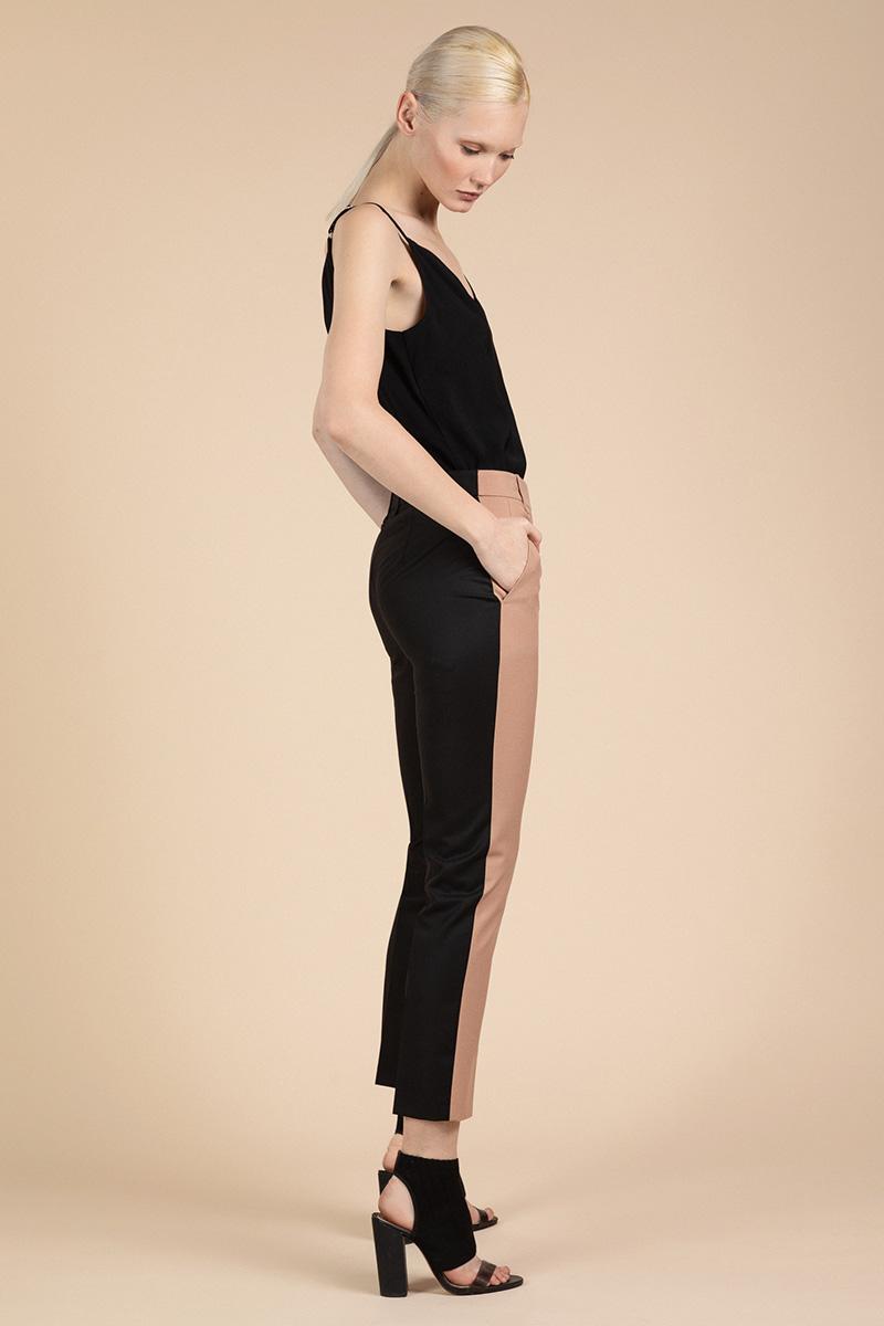Контрастные брюки классического кроя VASSA&Co фото
