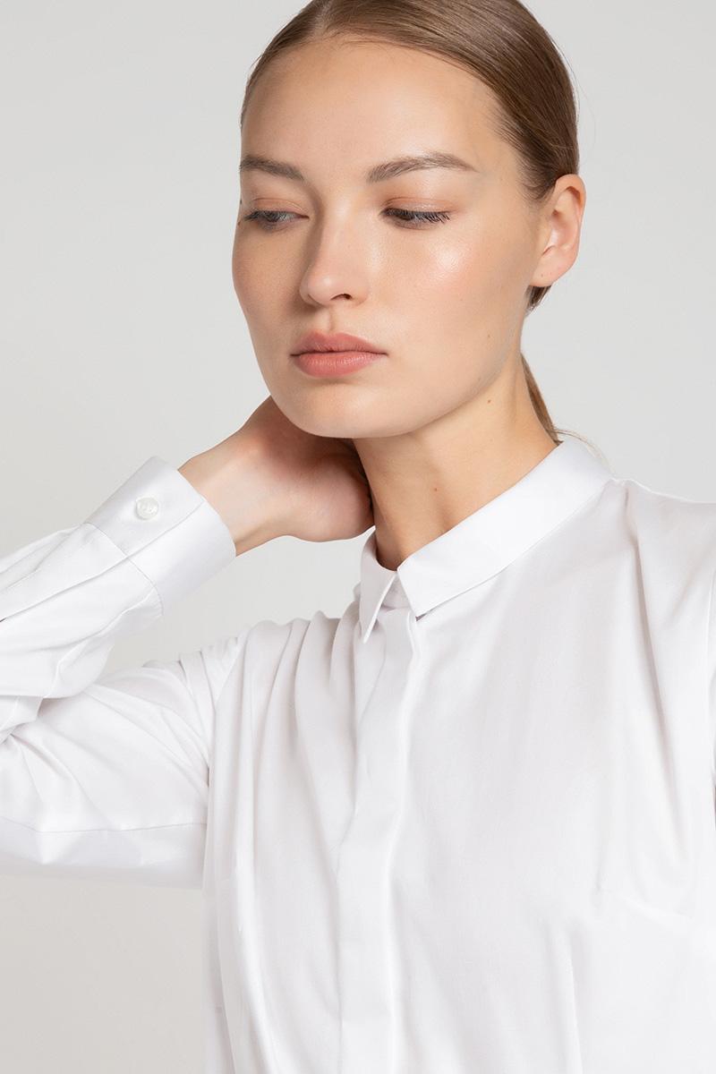 Приталенная блузка с отложным воротником VASSA&Co фото