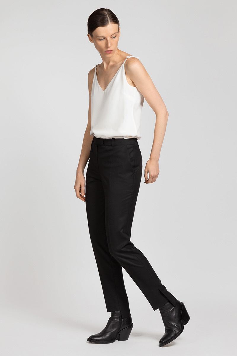 Классические брюки с перепадом длин VASSA&Co фото