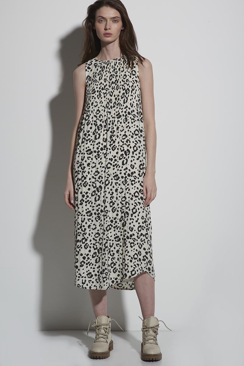 Платье-миди с анималистичным принтом VASSA&Co фото