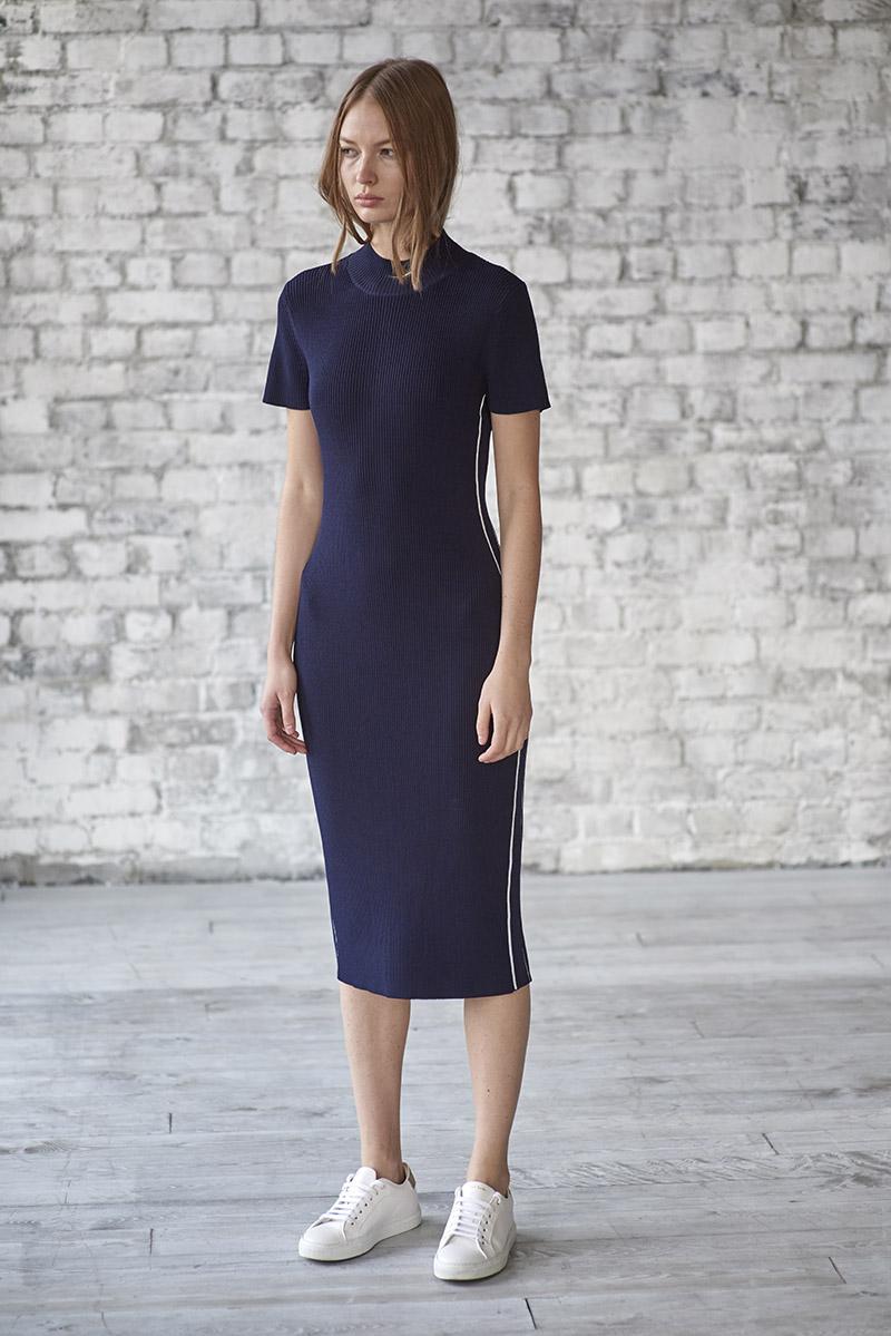Платье из фактурного трикотажа на молнии VASSA&Co фото