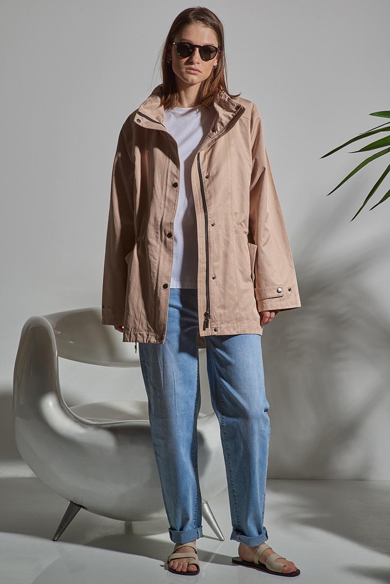 Куртка с капюшоном бежевого цвета VASSA&Co фото
