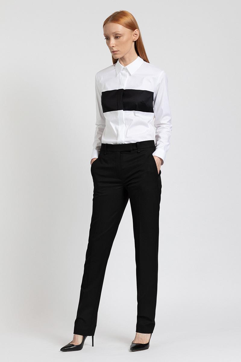 Оригинальная блузка с контрастной деталью VASSA&Co фото