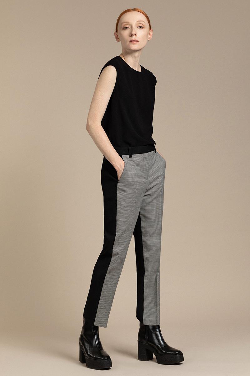 Укороченные брюки в контрастном исполнении VASSA&Co фото
