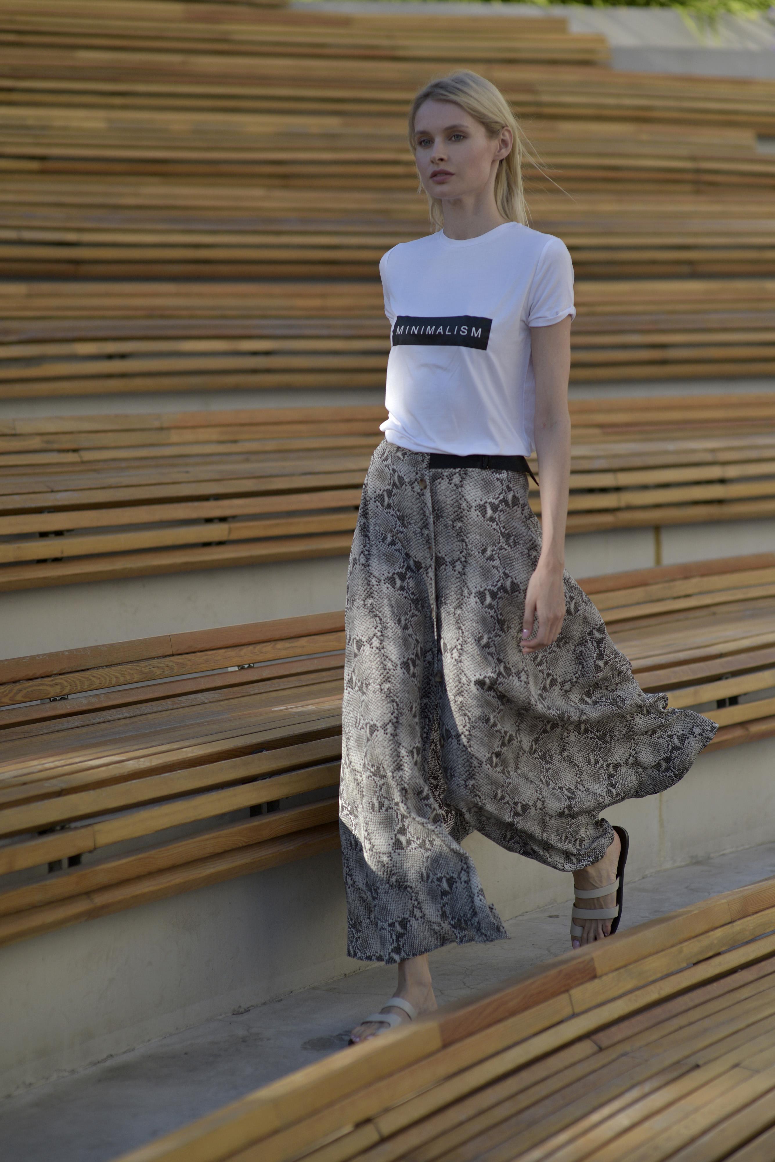 Длинная юбка из вискозы на пуговицах VASSA&Co фото
